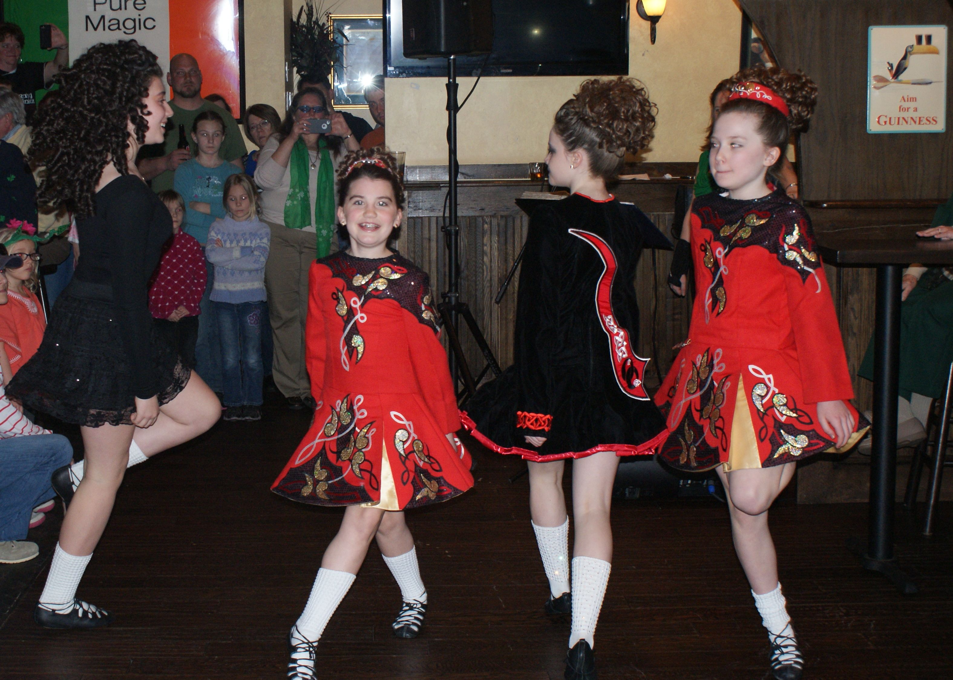 Girls Dance lores